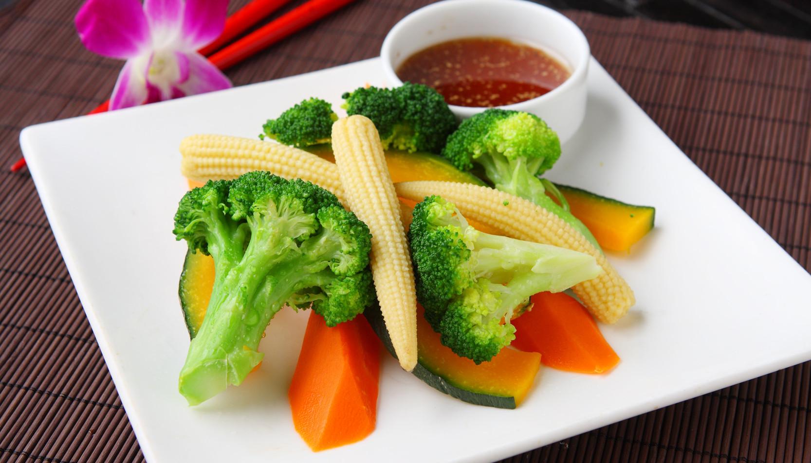 C6 steamed vegetable.jpg