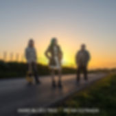 Pé Na Estrada é o album de estreia de Hard Blues Trio! Clique para mais detalhes!