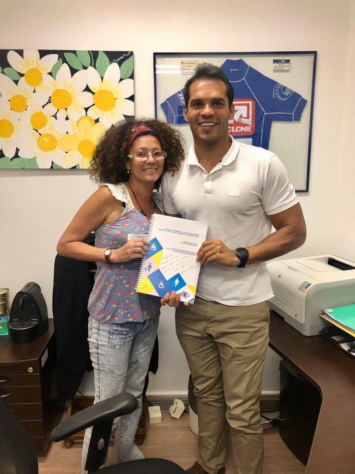 Ultramaratonista Jacqueline Terto (A Maré que Transforma) visita o Vereador Thiago K. Ribeiro