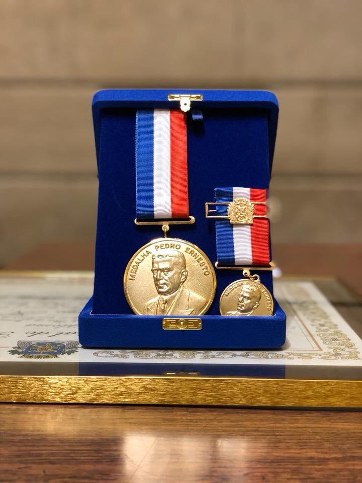 Medalha Pedro Ernerto