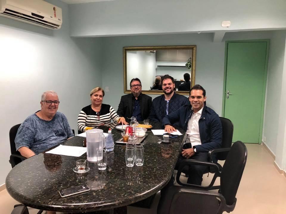 Reunião no Condomínio Riviera