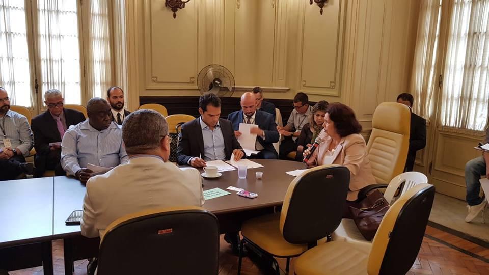 Thiago K. Ribeiro participa de reunião da CPI da Comlurb