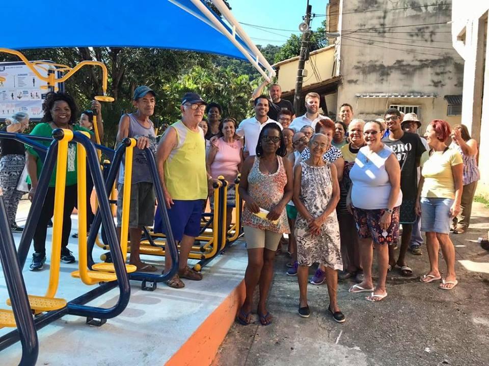 Vereador Thiago K. Ribeiro e Deputado Estadual Gustavo Tutuca na inauguração da Academia da Terceira Idade (ATI) do Conjunto Residencial Dona Castorina, no Horto