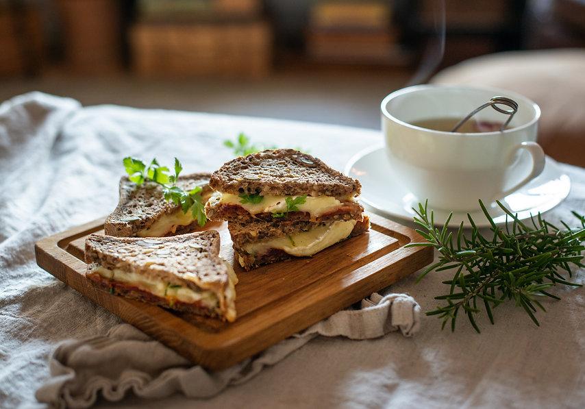 Ostesmørbrød toast spirebrød.jpg