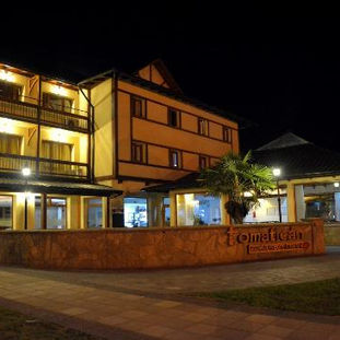 cumbres-hotel-de-noche.jpg