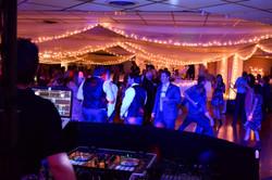 Mantel Wedding 2017 Dance
