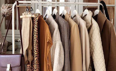 wardrobe-stylist-jaya-jankert-header_edited_edited.jpg