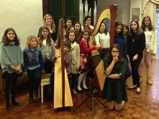 A Classe de Harpa da Professora Beatrix