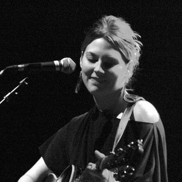 Elizabeth Coyle Kominski live at Jammin'