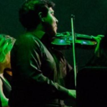 Javi Godinez Violing Live