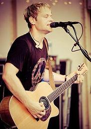Phil Kominski live in Indianapolis, IN