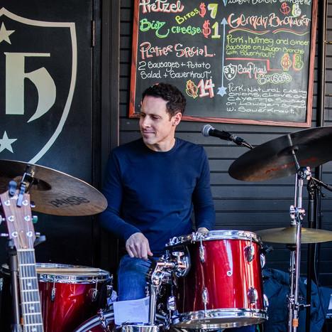 Dan Perriellio Live