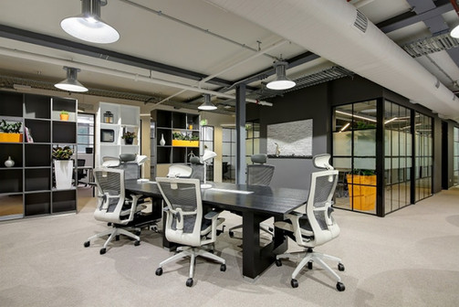 0813工作室 商业室内设计 工业风共享办公空间的设计。