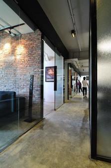 0813工作室 商业室内设计 工业风大型办公室