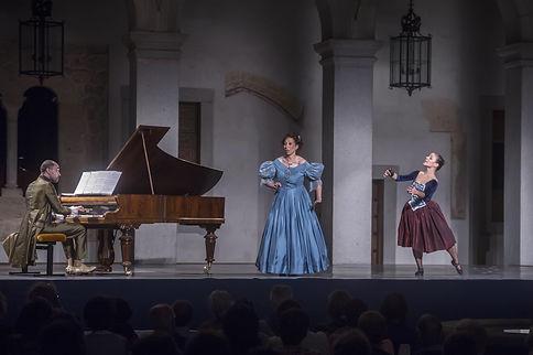 Espanaallarossini_Segovia_trio.JPG