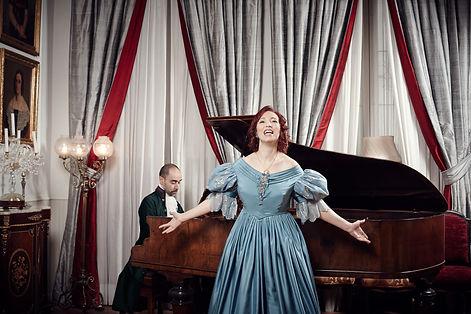 Espana_alla_Rossini_Tonna_performing_Lar
