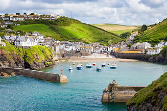 fishing village of Port Isaac, on the No