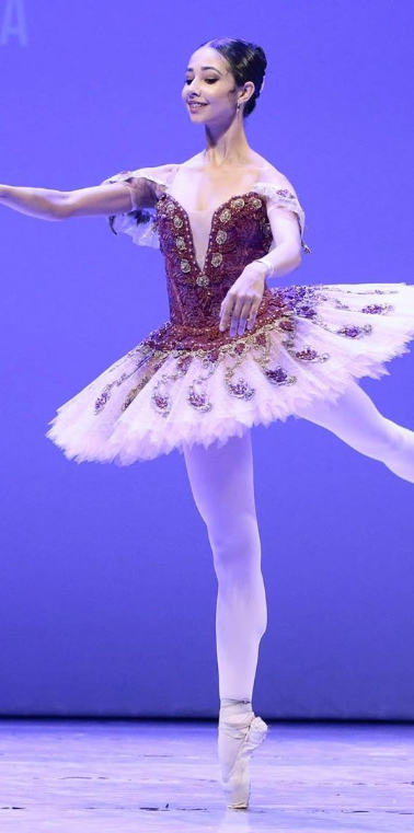 Bailarina Dança Basileu França em Festival de Dança de FIDPOA 2019