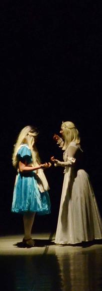 Alice no País das Maravilhas Basileu França 2019