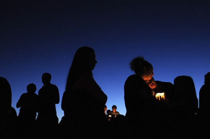 Oregon school shooting: Students, parents pick up belongings, reflect on tragedy