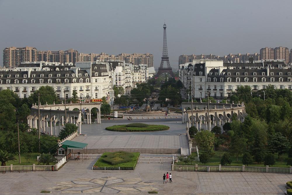 The Tianducheng development outside Hangzhou is a virtual ghost town, never mind a touch of Paris. (Reuters/Aly Song)