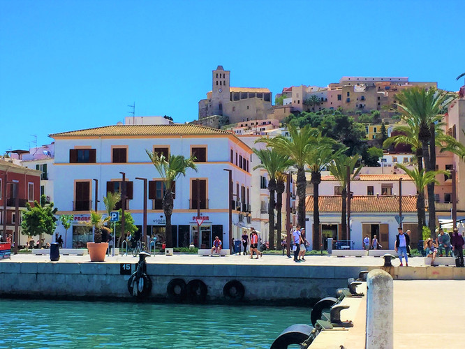 A DAY & NIGHT OF FOOD & ADVENTURE IN IBIZA WITH RENOIR GUIDES TOUR 3