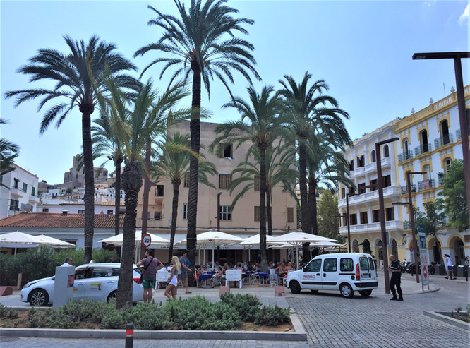 A DAY & NIGHT OF FOOD & ADVENTURE IN IBIZA WITH RENOIR GUIDES TOUR 1