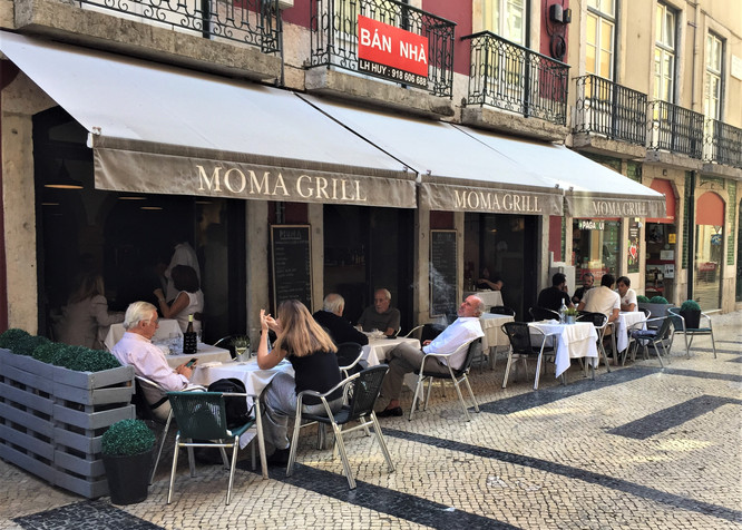 PORTUGAL - LISBON - MOMA GRILL