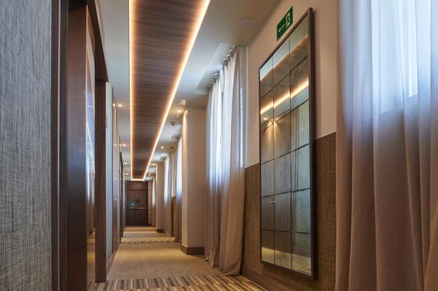 pasillo habitaciones hotel.jpg