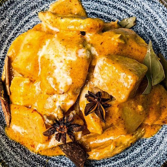 Thai Chicken Massaman Curry at Buffet KIng