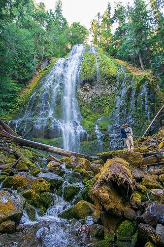 2018-Oregon-best-waterfalls-ProxyFalls-1