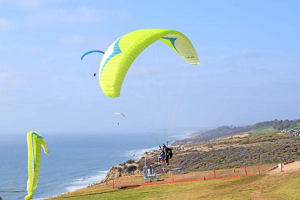 paragliding-torreypines-sandiego-califor