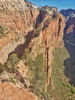 Angels-Landing-Hike-from-Summit-Zion-Nat