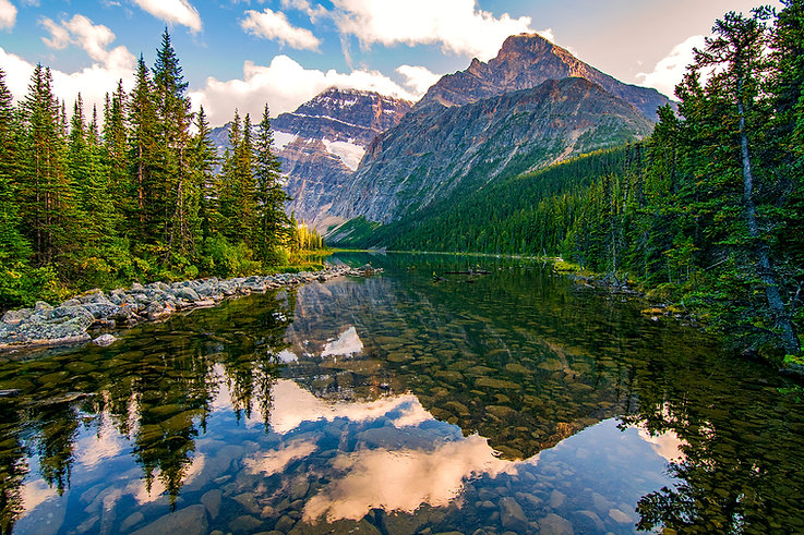 Canada-CavellLake-JasperNationalPark-Ice