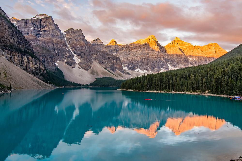 sunrise moraine lake in banff national park alberta canada