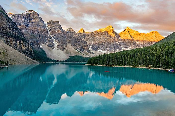 Canada-MoraineLake-BanffNationalPark-Ice