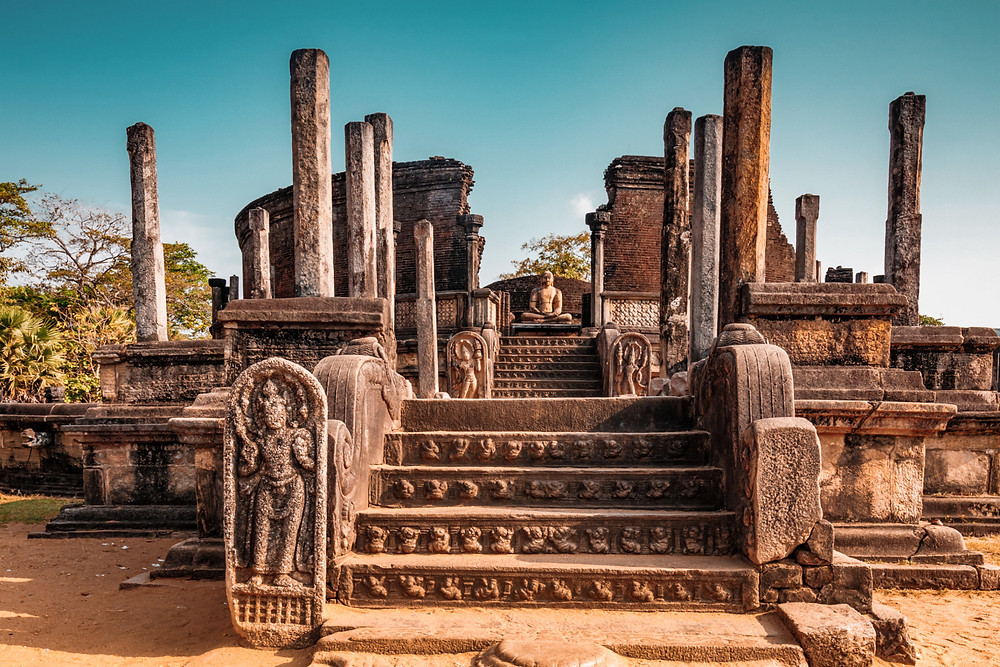 ancient ruins of polonnaruwa