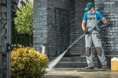 Pressure washing service in St. Augustine, FL