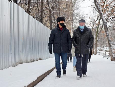 Объезд района: проинспектирован аварийный дом на Стахановской