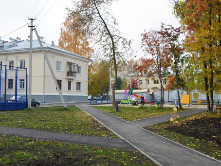 Роман Кравченко провел приемку еще двух дворов, реконструированных в Орджоникидзевском районе