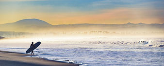 Moeller_seascape_Entering the Surf on a