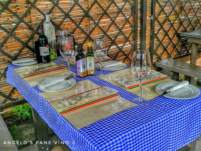 Angelo's Pane Vino - Table 3