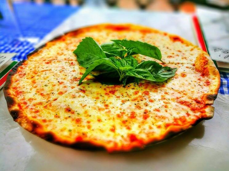 Angelo's Pane Vino - Pizza