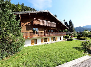 Chalet for Sale in Montriond near Morzine | The French Alps, Haute-Savoie, France | Star Leman Immobilier Buyer's Agent, Property Finder and Real Estate Consultant