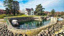 Lakefront Pieds dans l'eau Evian Property