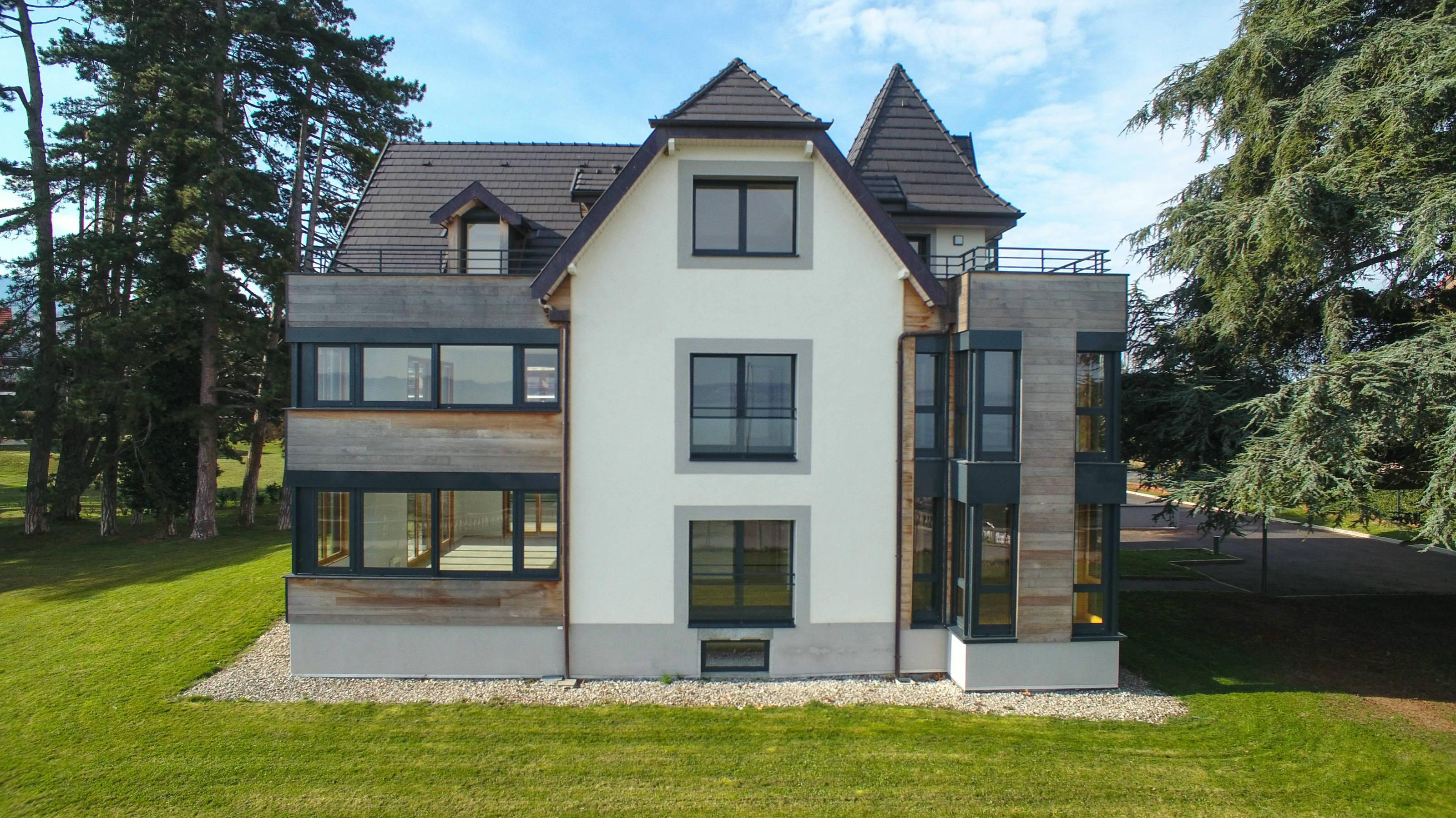 Immobilier de luxe Lac Léman Villa Evian Bord du Lac