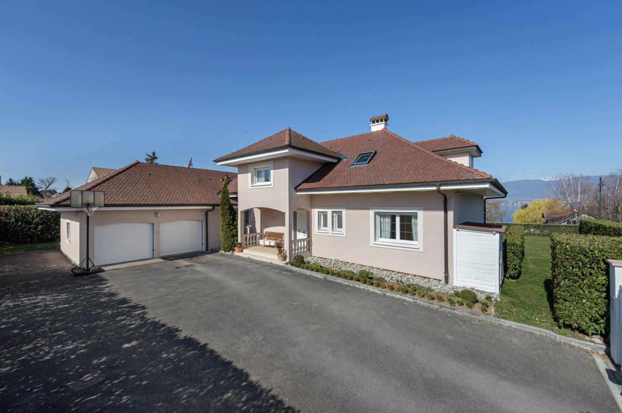 Real estate in Chens sur Leman Lake Geneva