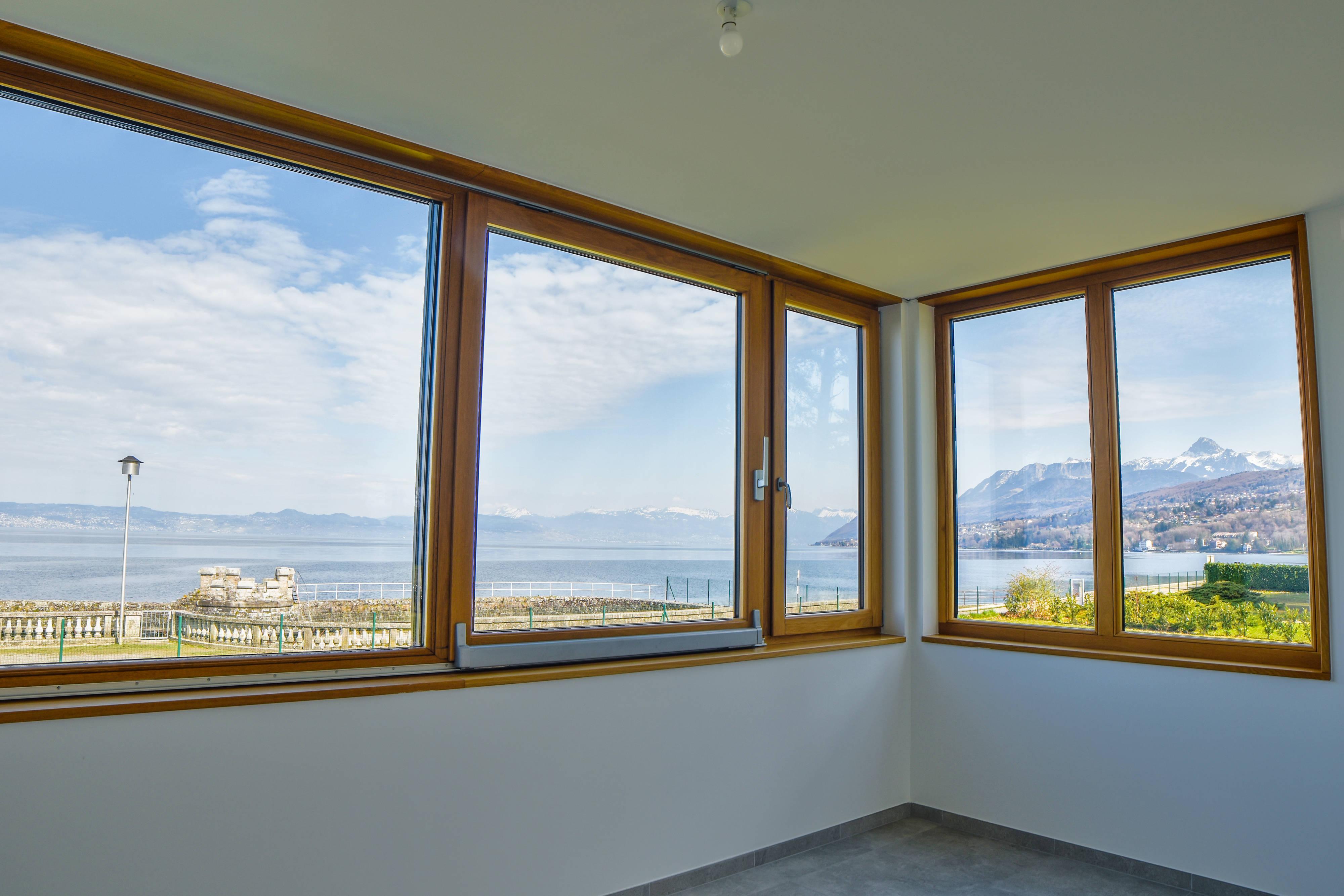 Недвижимость первая линия Женевского Озера