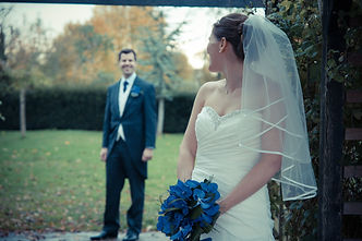 Essex wedding photography at Maidens Barn.