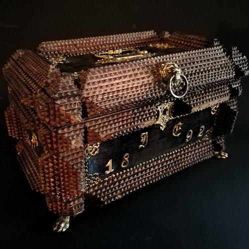 Coffret à bijoux TRAMP-ART XIXème.